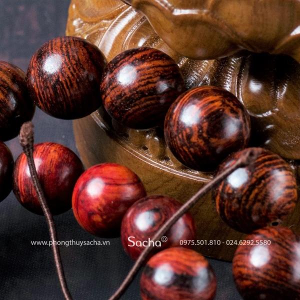 Vòng tay gỗ sưa phong thủy hợp mệnh thổ tại Sacha