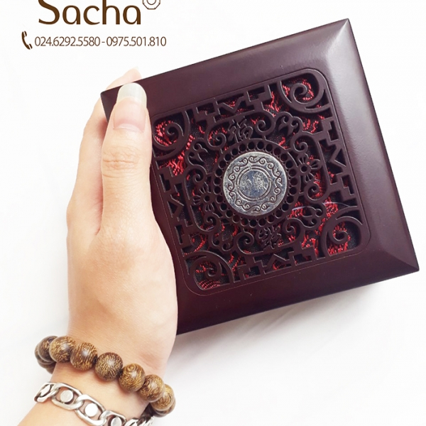 Sản phẩm vòng tay gỗ trầm hương phong thủy tại Sacha